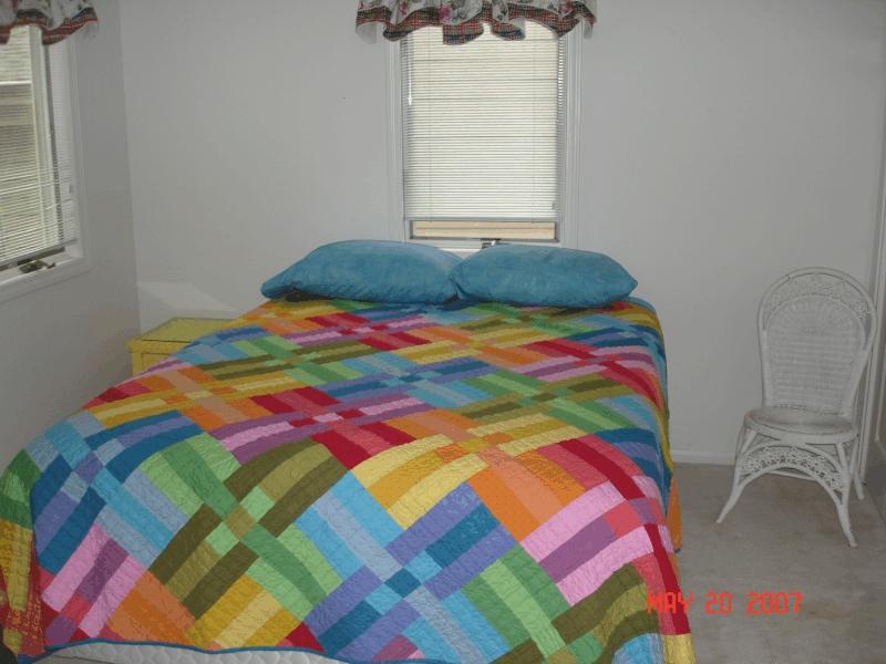clear_lake_rental_bedroom3