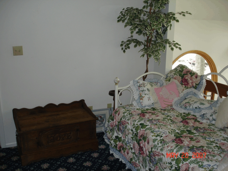 clear_lake_rental_daybed3
