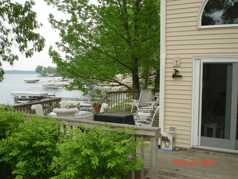 clear_lake_rental_deck
