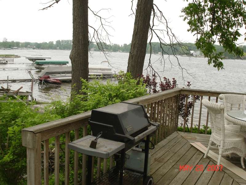 clear_lake_rental_deck3