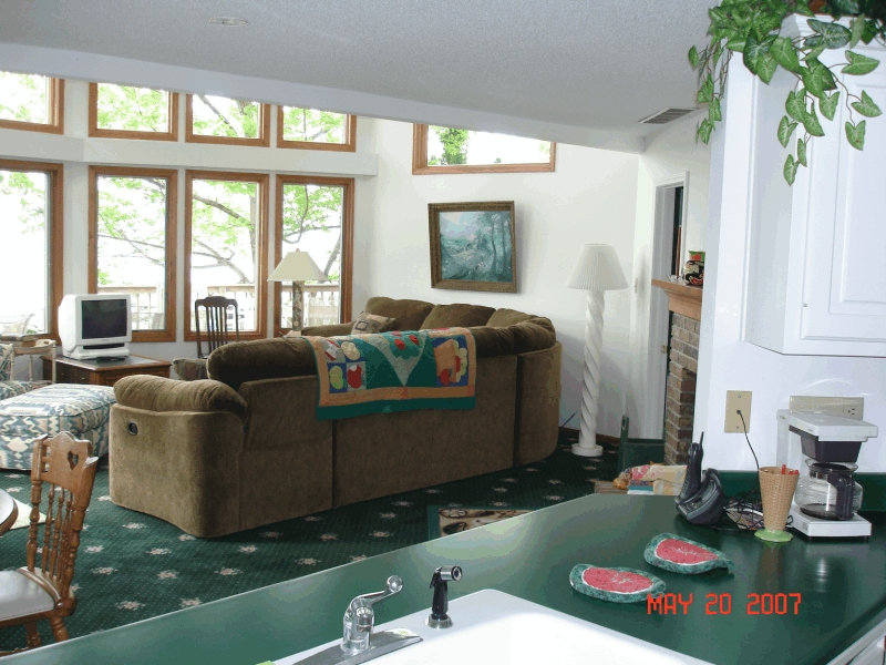 clear_lake_rental_living_area3