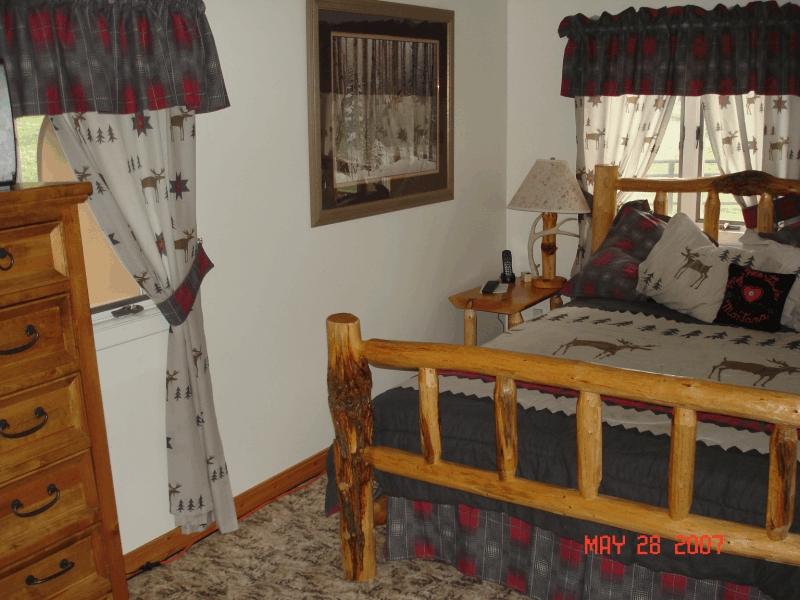 creekside bedroom1