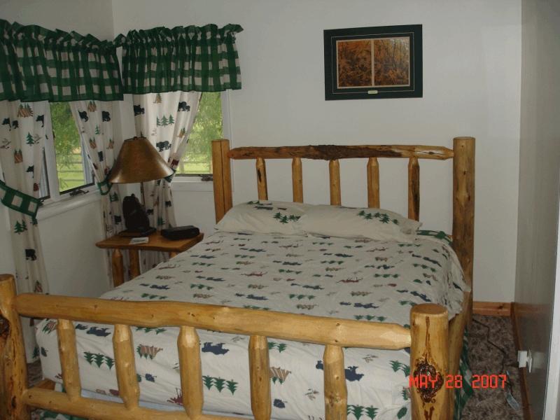 creekside bedroom2